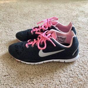 Nike Women's Free Run Black White Pink Size 6